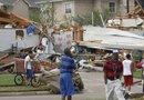 El paso de una serie de tornados por la localidad de Granbury (norte de Texas), dejó varias viviendas destruídas y un saldo trágico en vidas humanas y desaparecidos.