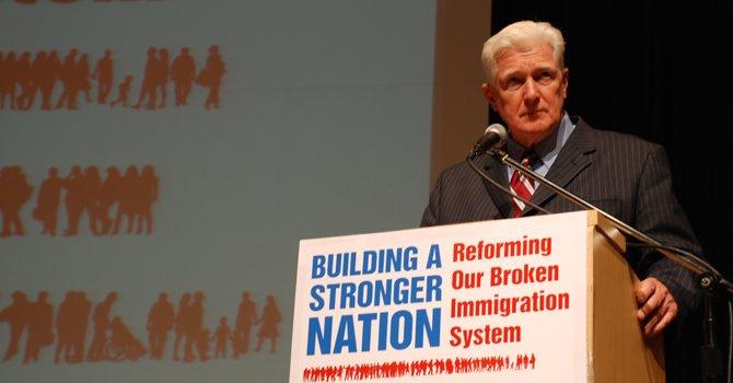 Legislador demócrata Jim Moran anuncia su retiro