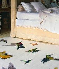 Monos, flamencos  o tigres plasmados en el papel pintado, la ropa de cama y las alfombras que dan un toque de la selva al hogar.