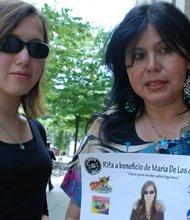 JUNTAS: María de los Ángeles Suárez, izq. y su madre Liliana Quintana realizarán una rifa de un auto el domingo 26 de mayo para juntar el dinero que necesita para sus cirujías.