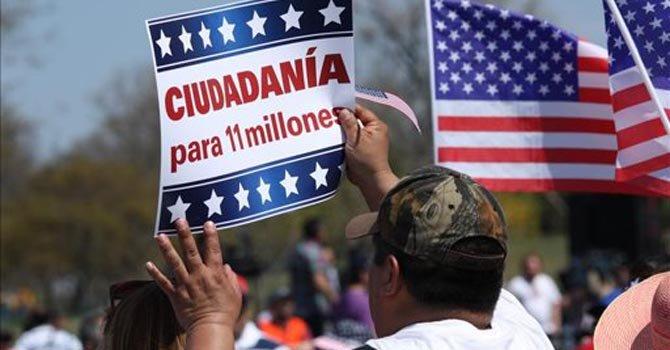 Encuesta: alto a deportaciones es clave, no ciudadanía