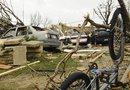 Varios tornados han causado destrozos ha su paso por el centro de Estados Unidos.