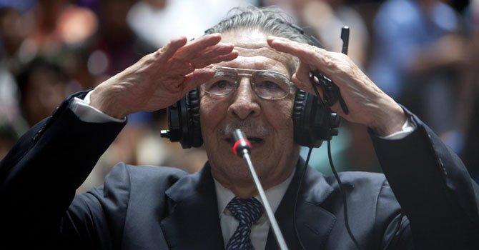 Dictan arresto domiciliario a Ríos Montt