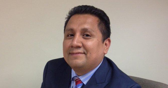 Latino lanza candidatura para Asamblea Estatal de VA