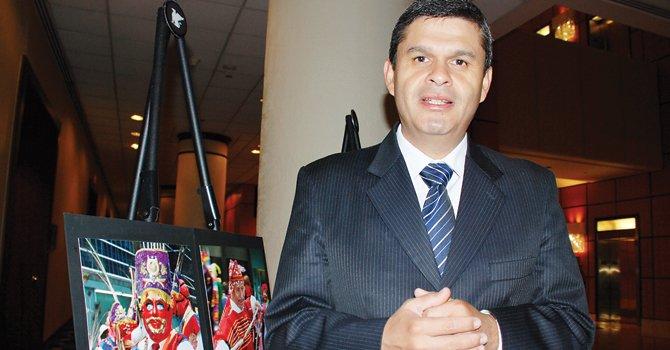 Peruanos en el exterior tendrían congresista