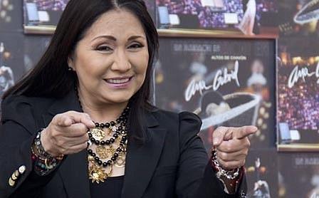 Ana Gabriel, 40 años cantándole a México y al mundo.