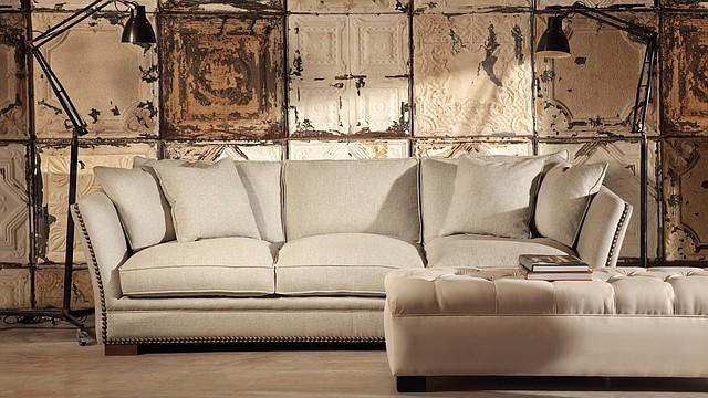 Los nuevos diseños de sofás son más versátiles y confortables.