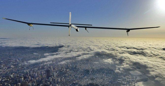 Avión que sólo necesita energía solar para volar llega a Washington