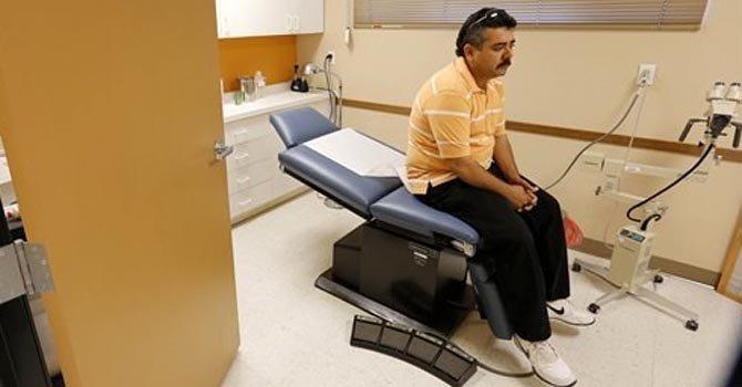 Inmigrantes sin atención médica en Arizona