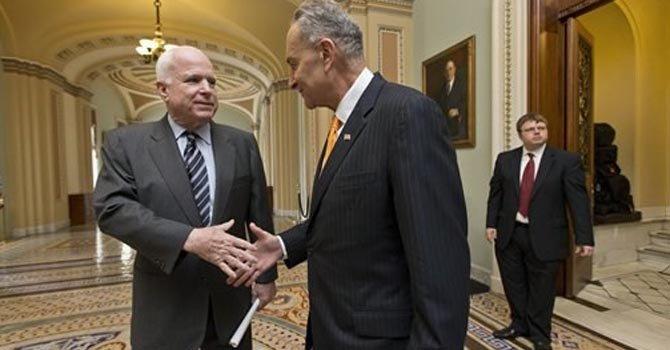 Reforma, senadores relatan historias personales