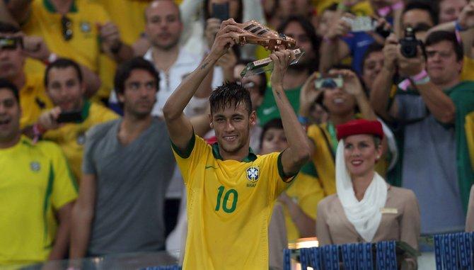 Neymar confirma que llegó para quedarse