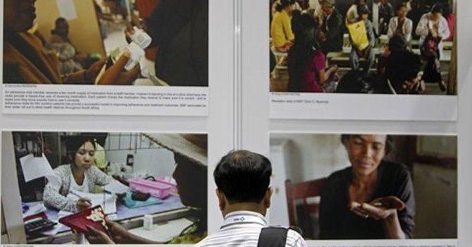 Debate por medicamentos genéricos contra el VIH