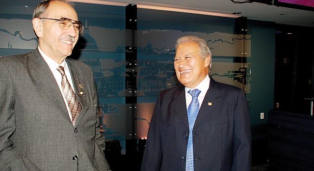 DC. El embajador Zamora (izq.) y el vicepresidente Sánchez, en junio.