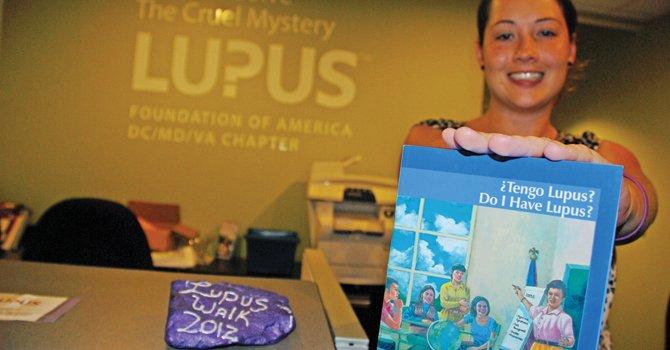 Educan a latinos sobre lupus