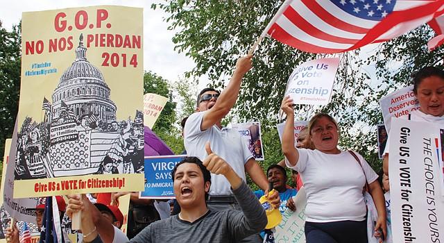 UNIDOS. Inmigrantes del área metropolitana pidieron a los republicanos apoyar la reforma. Marcharon frente al Capitolio, el 10.