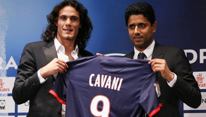 Edison Cavani firma por el París Saint Germain