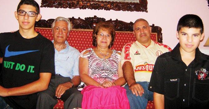 Tres generaciones celebran las fiestas