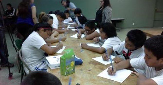 Niños escriben cartas al Partido Republicano