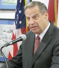 El alcalde Bob Filner durante la conferencia de prensa.