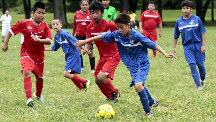 Inauguran Escuela De Futbol En Langley Park El Tiempo Latino