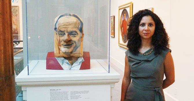 Latina, curadora de arte y cultura