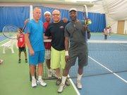 De izq. a der.: los entrenadores Ross Howe, Tyron Turner, Luciano Rodríguez y Melvin Jenkins, el viernes 23 de agosto en el Wheaton Indoor Tennis.