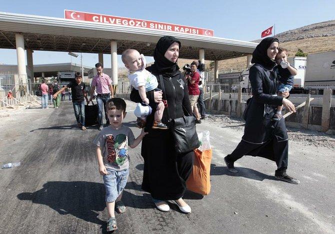 Y ya son 2 millones los refugiados que buscan asilo, especialmente en Turquía.
