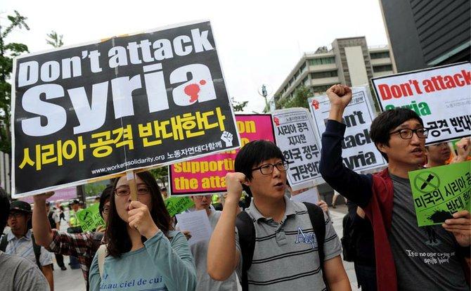 """Desde Corea del Sur hasta Gran Bretaña, las voces alejadas del poder y cercanas a las calles siguen diciendo """"Basta de sangre""""."""