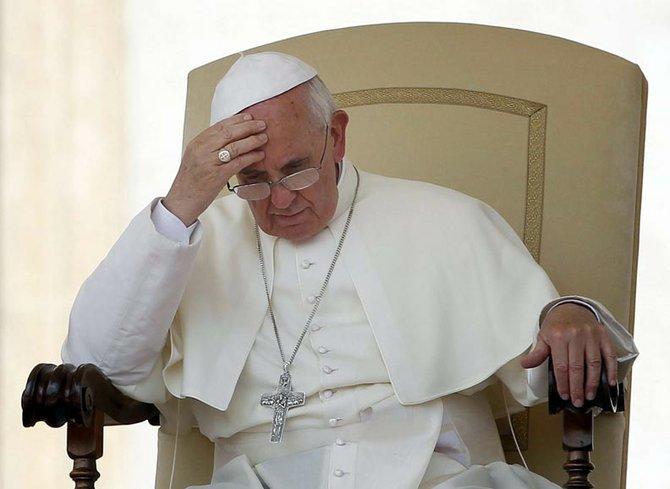 Y una poderosa, la del Papa Francisco, imploró por la paz en Siria, y en todo el mundo.