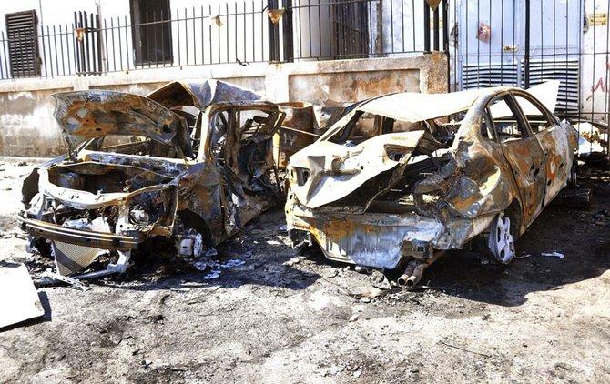 Pero la violencia no cesa. La denuncia de armas químicas en los campamentos rebeldes al norte de Damasco habrían causado la muerte de por lo menos 40 personas. Los atentados con coche bomba se han convertido en la principal causa de muerte.