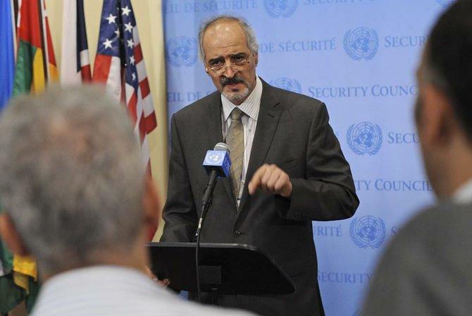 En agosto de 2012, el embajador de Siria ante la ONU, Bashar Ja´afari, dijo que la crisis del país había dejado de ser nacional porque había países que enviaban armas a los grupos opositores.