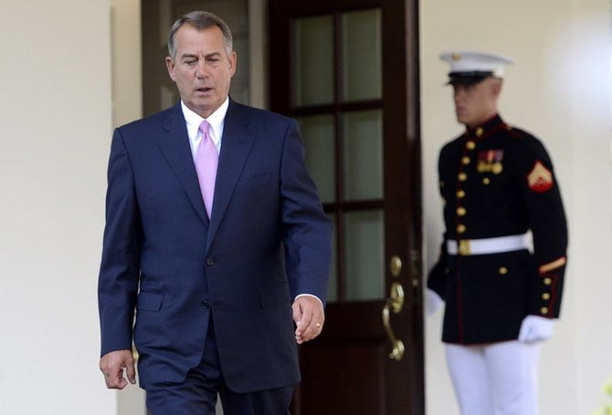 Mientras tanto en DC, Obama ha ido logrando el apoyo bipartidario para una intervención, entre ellos el de John Boehner, líder de la mayoría republicana de la Cámara de Representantes.