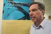 La organización de Judíos-Americanos de Houston, a la cabeza de Randy Czarlinsky, cuenta con datos reales que demuestran los beneficios económicos de la reforma migratoria.