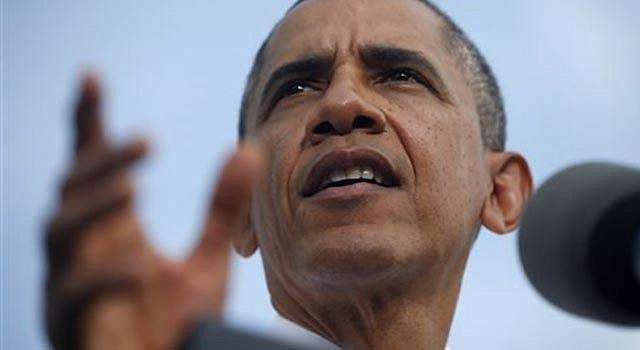 El presidente estadounidene Barack Obama habla sobre el cierre del gobierno durante una visita a la fábrica de asfalto M. Luis Construction en Rockville, Maryland, el jueves 3 de octubre de 2013.