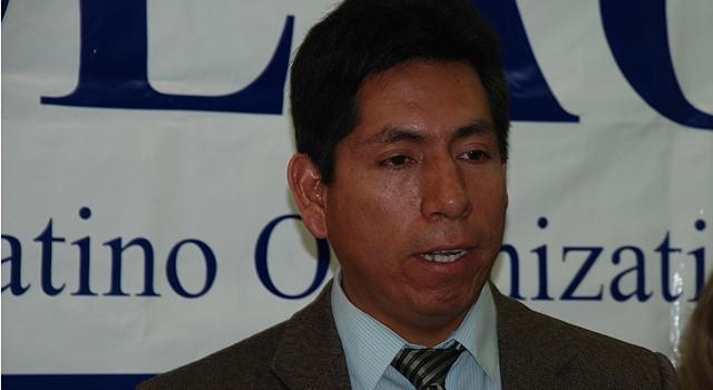 Edgard Aranda-Yanoc de la Coalición de Organizaciones Latinas de Virginia.