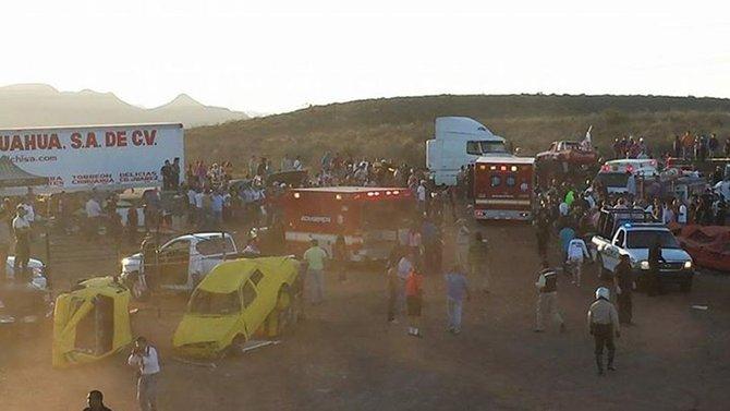 México: al menos ocho muertos por un auto en exhibición
