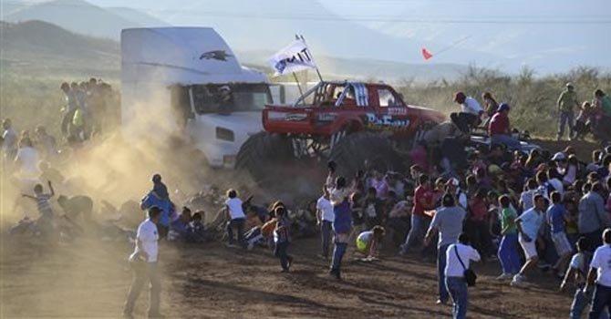 México: acusan a conductor de monster truck