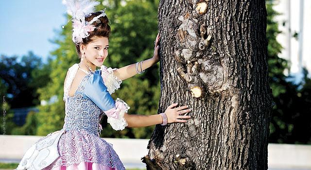 LA REINA. Giselle Botero, fotografiada por Luis Carlos Duarte, vestida para su quinceañera con el estilo de María Antonieta. Diseño de su mamá: Mayerly Rodríguez.