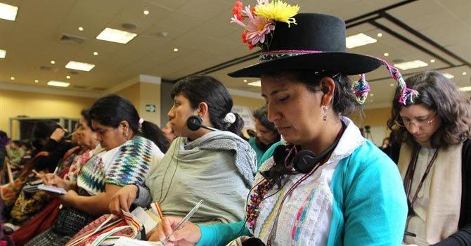 Cumbre de mujeres indígenas en Lima