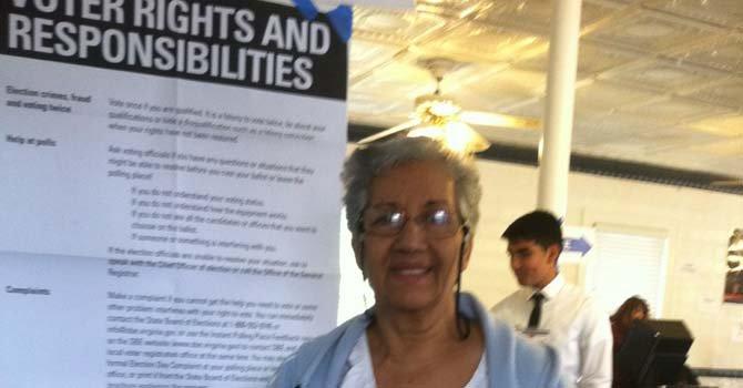 La venezolana Omaira Pacheco quien votó en Dumfries, Virginia.
