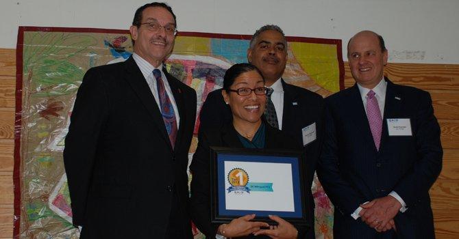 DC valora el bilingüismo de las escuelas chárter