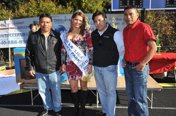 JUNTOS. Elber Sánchez, Ivonne Ramón, Gerson López y Tobías López.