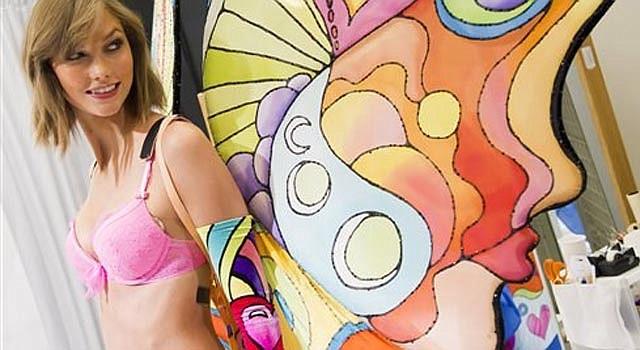 Taylor Swift en la pasarela de Victoria's Secret.