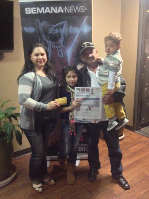 Una familia ganadora de los boletos de Disney On Ice