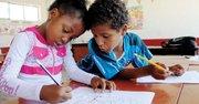 DOS. Estrella y Benjamín en una escuela de San Juan de Miraflores, Lima.