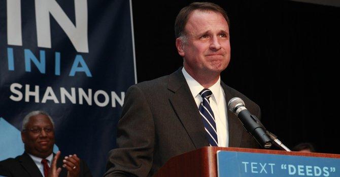 Virginia: senador Deeds fue acuchillado