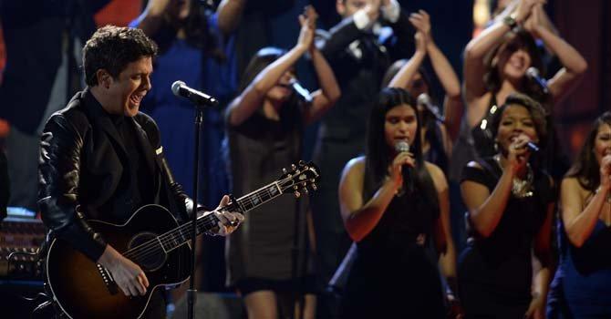 Alejandro Sanz actuó y ganó un Grammy.