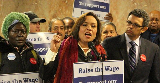 Montgomery aprueba aumento de salario mínimo