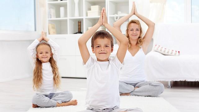 Yoga para niños: Movimiento y español