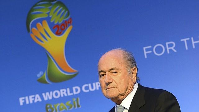 El presidente de la FIFA, Joseph Blatter, pedirá a los países miembros de la organización que lo elijan para gobernar un quinto período.